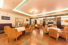 莫斯科- 2014年8月:英王乔治一世至三世时期和欧洲烹调餐馆的内部- 图库摄影