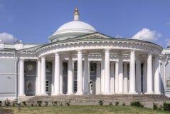 莫斯科 招待所Sheremetyeva 三位一体的寺庙 库存照片