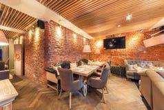 莫斯科- 2014年8月:内部典雅的城市餐馆 图库摄影
