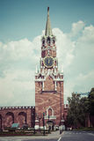 莫斯科- 2016年6月04日:Spasskaya的克里姆林宫鸣响的时钟 免版税库存图片