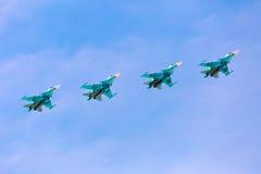 莫斯科- 5月7 :喷气式歼击机做展示 免版税图库摄影