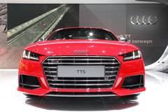 莫斯科- 8月30 :奥迪TTS在莫斯科国际性组织mot的汽车模型 图库摄影