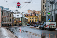莫斯科索良卡街道在冬天 免版税图库摄影