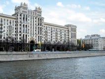 莫斯科Kotelnicheskaya码头2011年 免版税库存照片
