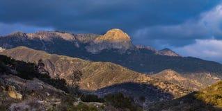 莫罗岩石和山风景 免版税库存图片