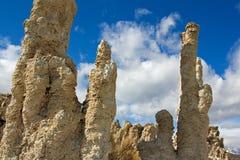莫诺湖凝灰岩塔  免版税库存图片