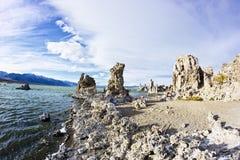 莫诺湖状态凝灰岩自然储备在加利福尼亚 免版税库存图片