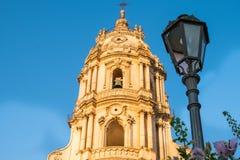 莫迪卡,西西里岛圣乔治大教堂的门面  图库摄影