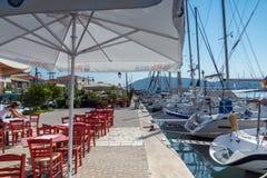 莱夫卡斯州镇,希腊2014年7月17日:莱夫卡斯州镇的,希腊游艇港口 免版税库存图片