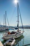 莱夫卡斯州镇,希腊2014年7月17日:莱夫卡斯州镇的,希腊游艇港口 库存照片