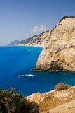 莱夫卡斯州,希腊岩石海岸  免版税库存图片
