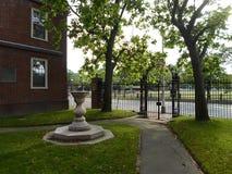 莱昂内尔霍尔,日规和1870装门,哈佛围场,哈佛大学,剑桥,马萨诸塞,美国 库存图片