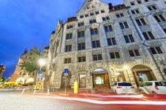 莱比锡,德国- 2016年7月16日:城市街道在晚上 莱比锡 免版税库存照片