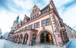 莱比锡,德国- 2016年7月17日:在sunse的城市中世纪街道 图库摄影