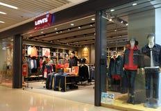 莱维斯商店在香港 莱维斯是私有的美国衣物公司已知的全世界fo 库存照片