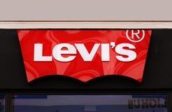 莱维斯莱维牛仔裤商店的商标 莱维史特劳斯在1853年建立的,是为它的莱维st已知的全世界美国衣物公司 图库摄影