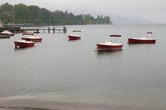 莱芒湖在雨天 洛桑,瑞士 免版税库存照片