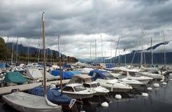 莱芒湖的小游艇船坞 免版税库存照片