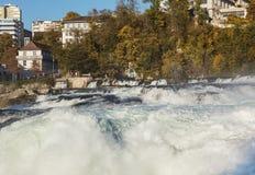 莱茵河上面莱茵瀑布在瑞士 图库摄影