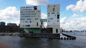 莱茵河现代建筑学的银行在德国 图库摄影