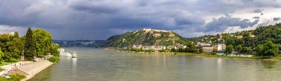 莱茵河的全景在科布伦茨 免版税库存图片