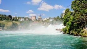 莱茵瀑布在夏天 免版税库存照片