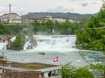 莱茵瀑布在瑞士 免版税库存照片
