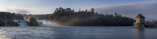 莱茵瀑布 免版税库存照片
