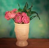 莲花在花瓶钢生活中 库存图片