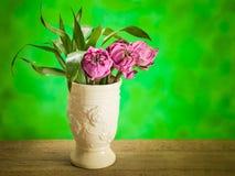 莲花在花瓶钢生活中 免版税库存照片
