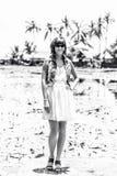 莲花领域的美丽的妇女,热带海岛巴厘岛,印度尼西亚 免版税库存照片