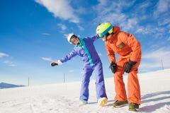 获得两块的挡雪板的图片在上面的乐趣 库存图片