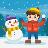 获得的男孩与雪人的乐趣在多雪的冬天步行 皇族释放例证