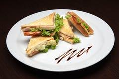 菜单照片-充分镀鸡肉三明治 库存图片