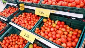 菜和果子在架子 免版税库存图片
