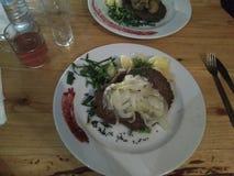 菜和肉可口波兰板材  免版税库存图片