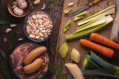 菜和肉狍的用猪肉和牛肉 免版税库存图片