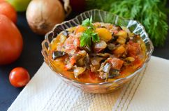 菜和茄子鱼子酱  库存图片