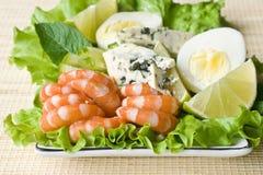 菜沙拉的虾 库存图片