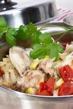 菜蔬菜炖肉与鸡的在它自己的汁液烹调了 库存图片