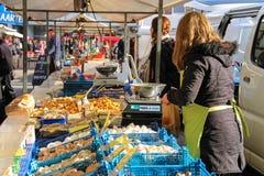 菜销售在街市在乌得勒支, Netherla上 图库摄影