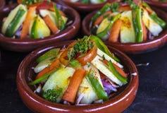 菜tajine盘在摩洛哥 图库摄影