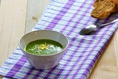 菠菜奶油汤 库存图片