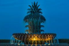 菠萝喷泉,一个大喷泉塑造了象菠萝地点 免版税库存图片