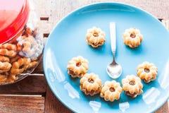 菠萝填装的饼干的愉快的面孔 免版税库存图片