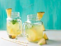 菠萝柠檬水 免版税库存照片