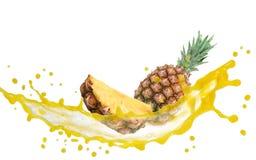 菠萝飞溅 免版税库存图片