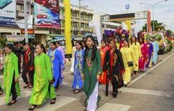 菩萨传统蜡烛队伍节日  免版税库存图片