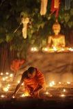 菩萨佛教蜡烛火修士 免版税图库摄影