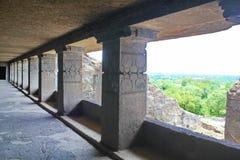 菩萨修道院走廊视图,不使12,埃洛拉石窟,印度陷下 免版税库存图片